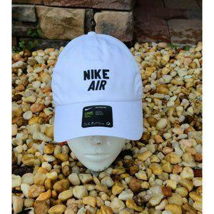 "Nike Heritage86 ""nike air"" Strapback White Hat"